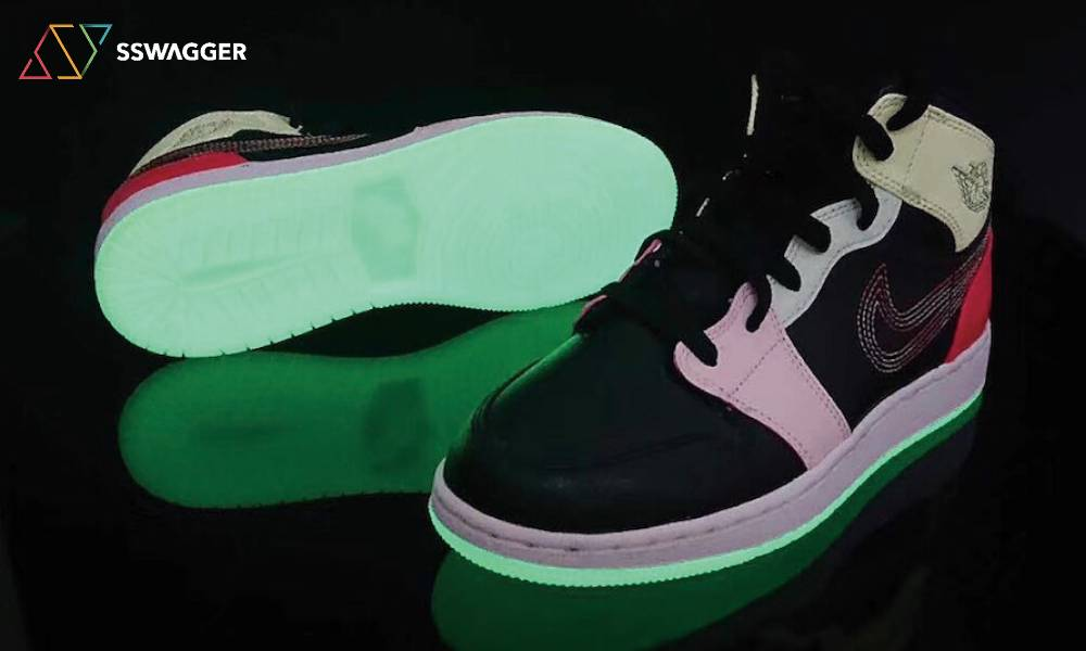 Air Jordan 1 Mid Glows In The Dark
