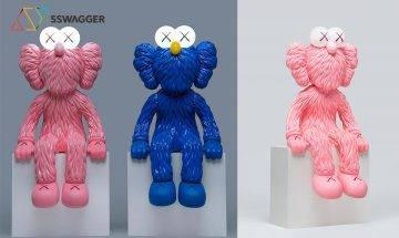 時尚露營燈出沒注意!KAWS x AllRightsReserved推出全新超限量粉紅色KAWS SEEING LED座檯燈