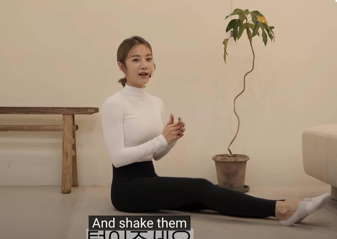 ASMR深蹲大流行!韓國網紅細細聲耳語做100下超療癒 YouTube頻道힙으뜸影片截圖