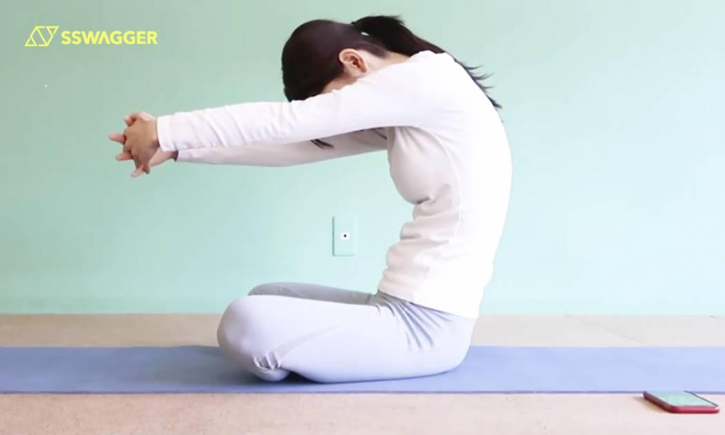 姿勢改善外觀大提升!8招x30秒糾正寒背、肩頸繃緊