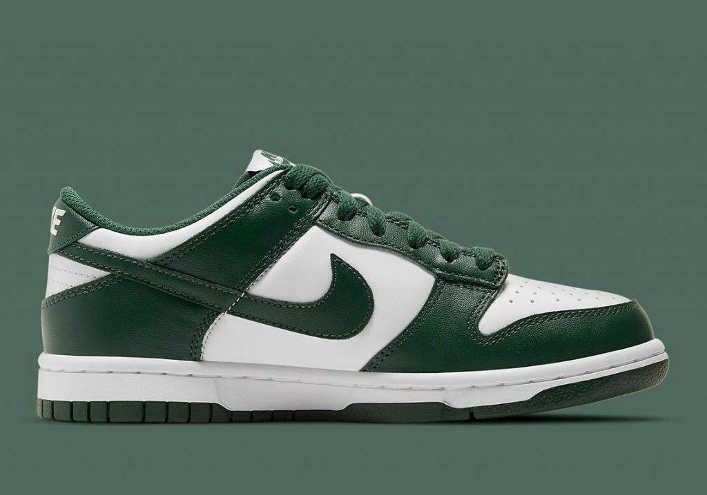 """Nike Dunk Low """"Team Green"""" Green and white colourway"""