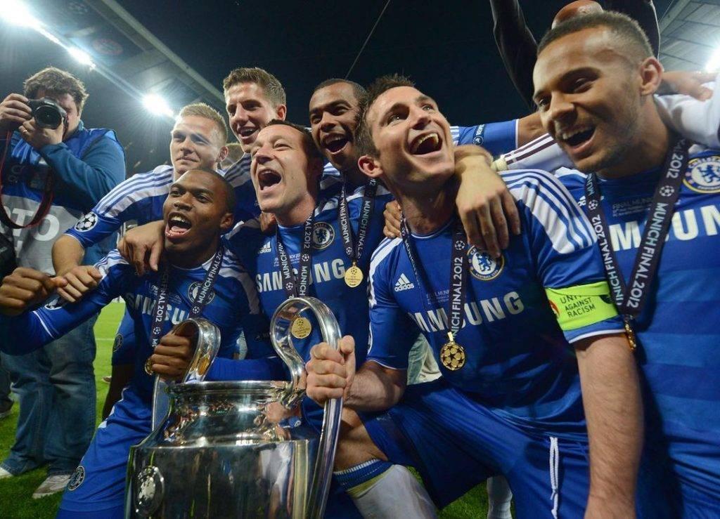 車路士 2012 UEFA Champions League Champion Chelsea and 5 members of the 2012 UEFA Champions League Champion Team
