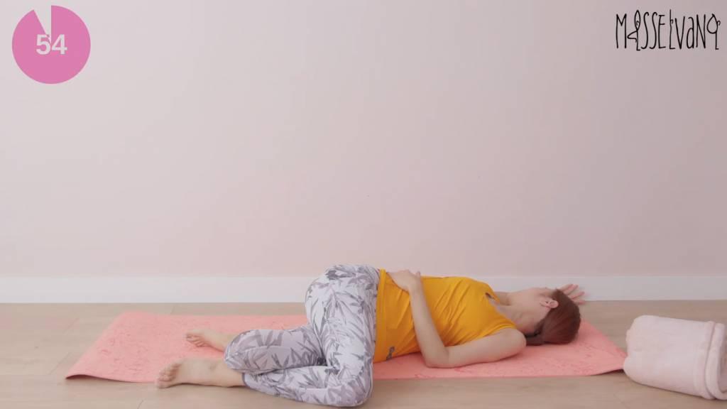 便秘問題3招即可解決!倪晨曦 Elva Ni 示範促進腸臟蠕動瑜伽動作